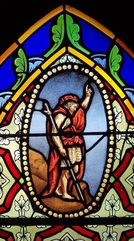 le vitrail de Saint JB Paroisse HouillesCarrières